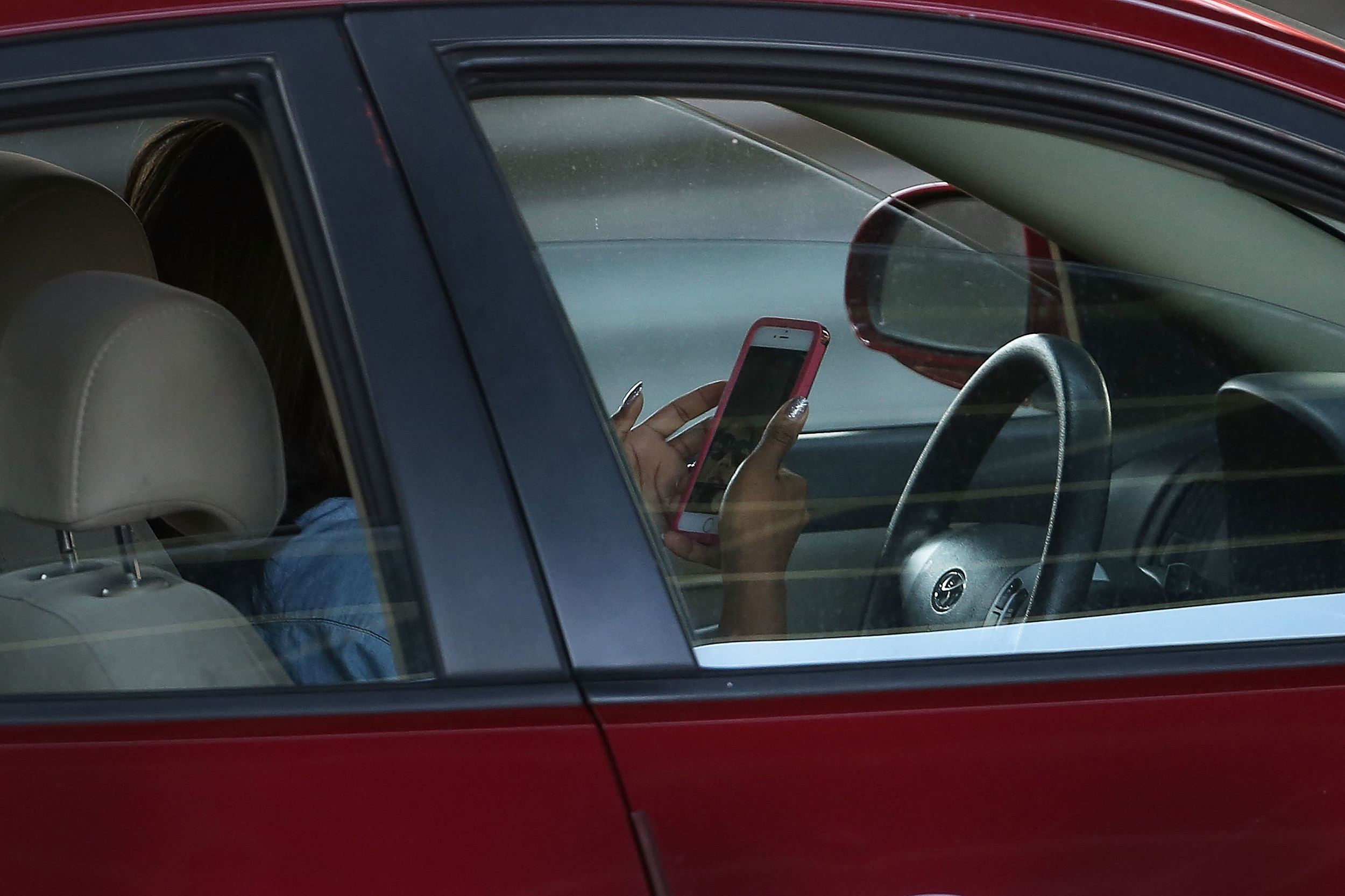 New Law Seeks to Crack Down on Distracted New York Drivers