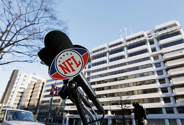 NFL Contract Talks Continue As Deadline Approaches